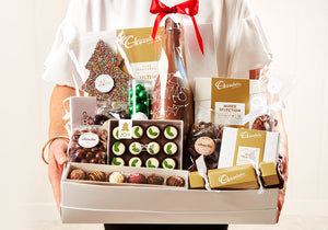 SCH360 - Chocilo Melbourne Christmas Santa's Helper Chocolate Gift Hamper