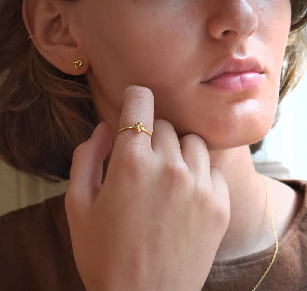 Le knot drop ring gold