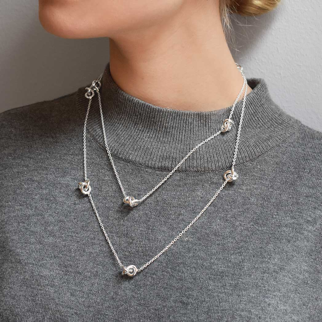 Le Knot Medium Necklace Long