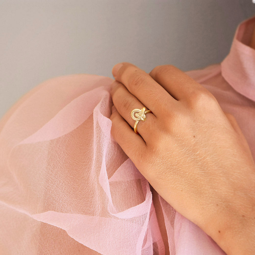 Le knot ring gold