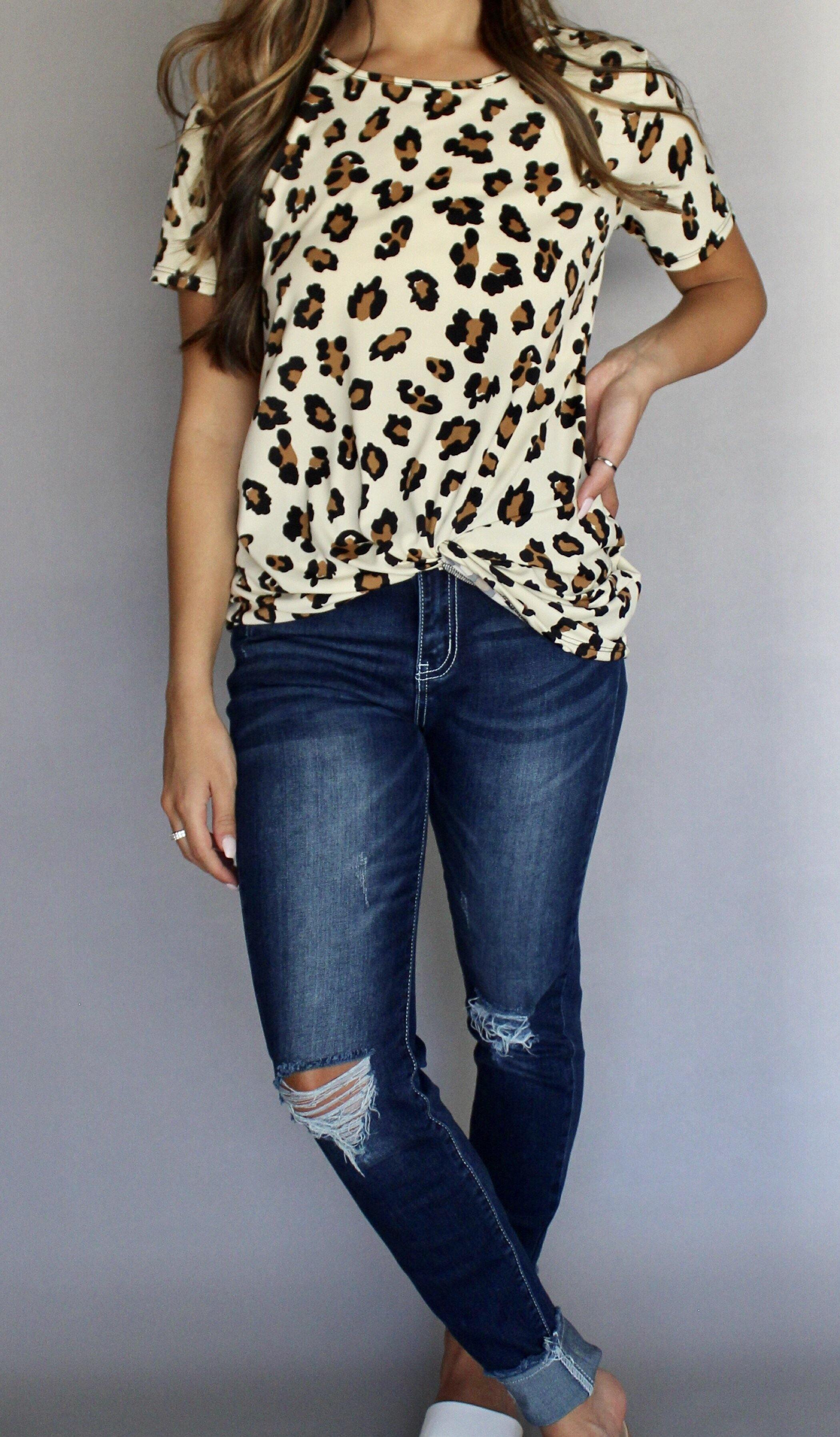 FRONT KNOT LEOPARD TOP