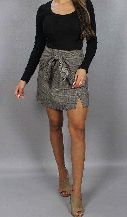KNOT FRONT WRAP SKIRT - elbie boutique, LLC