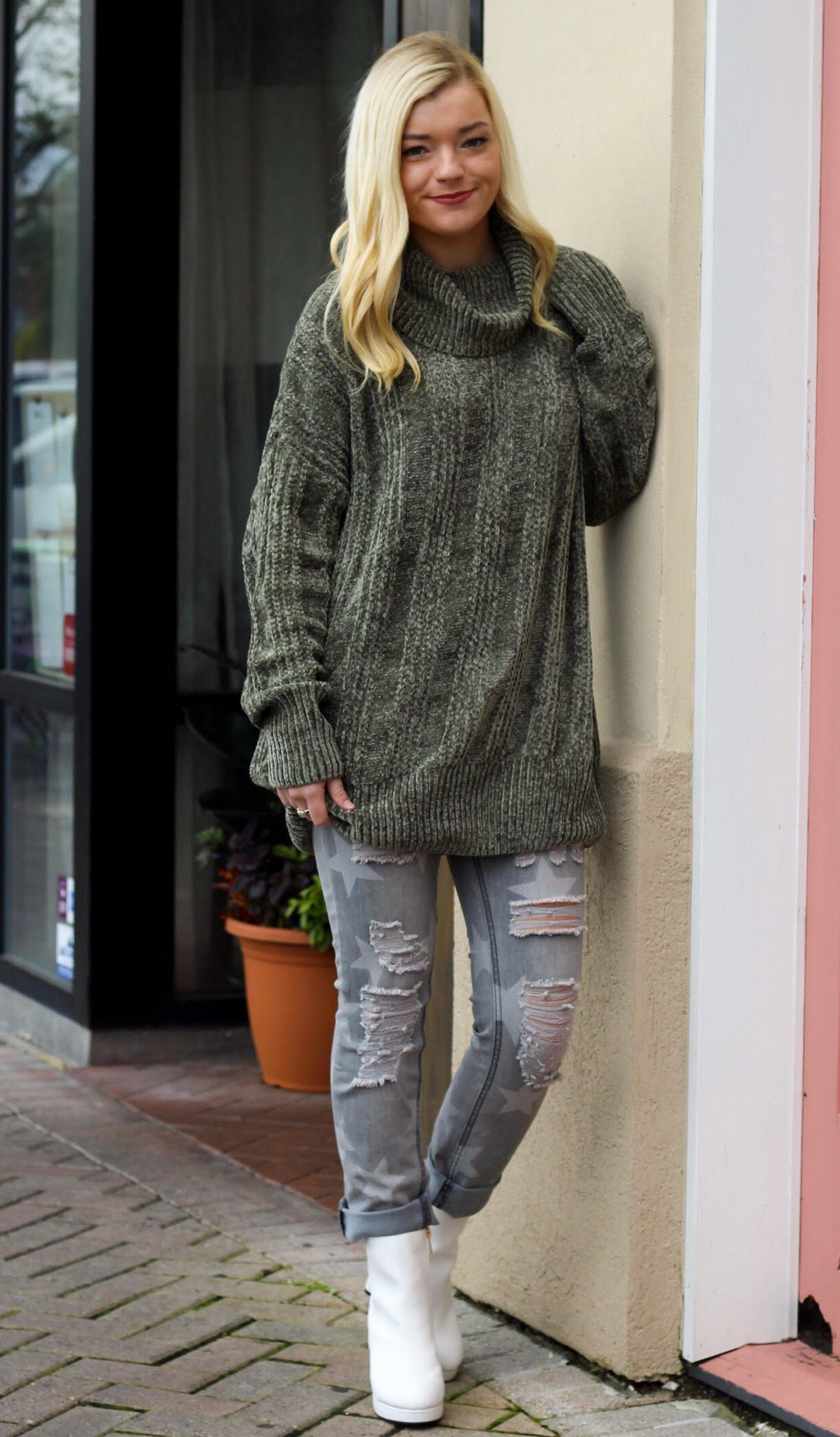 KHRISTIAN OVERSIZED SWEATER - elbie boutique, LLC