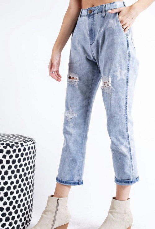 STAR DISTRESSED BOYFRIEND JEANS - elbie boutique, LLC