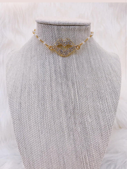 RAW & REBELLIOUS RICH KISS NECKLACE