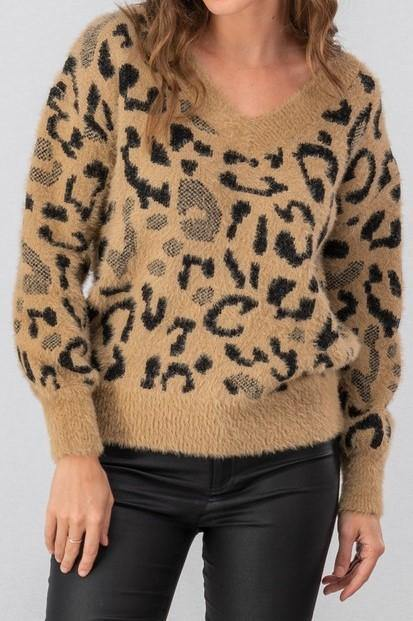 LIVING THE  DREAM LEOPARD SWEATER - elbie boutique, LLC