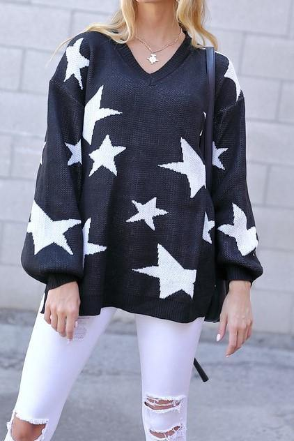 STAR V-NECK SWEATER - elbie boutique, LLC