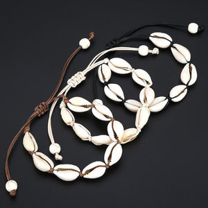 Cowrie shell bracelet with adjustable length