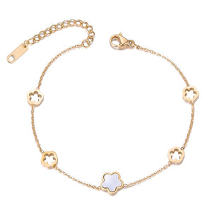 Gold flower chain bracelet