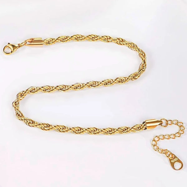 Detailed picture of the gold rope chain ankle bracelet