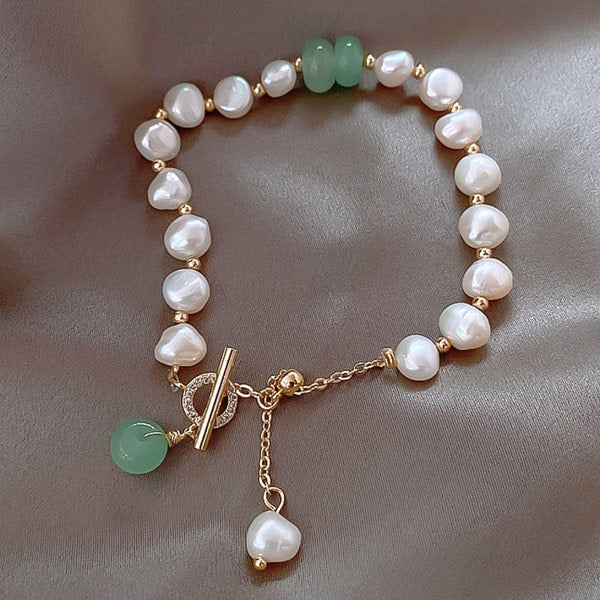 Natural jade & pearl bracelet close up details