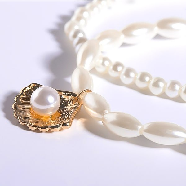 Pearl ankle bracelet set with gold seashell charm