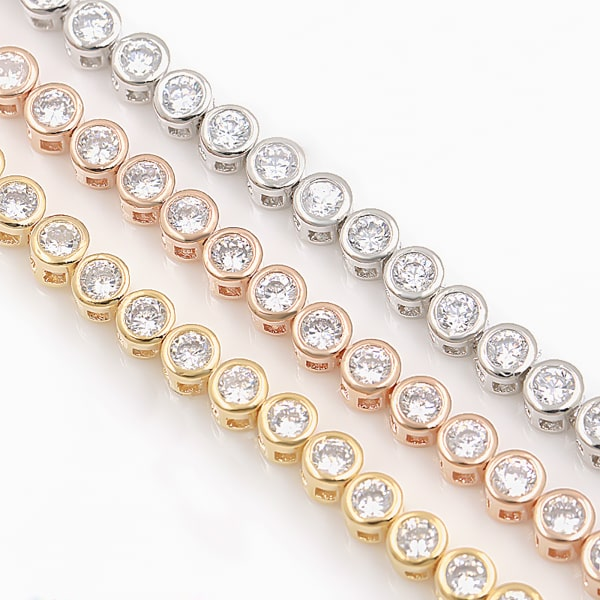 Round tennis bracelet with sparkling cubic zirconia stones and rose gold plating