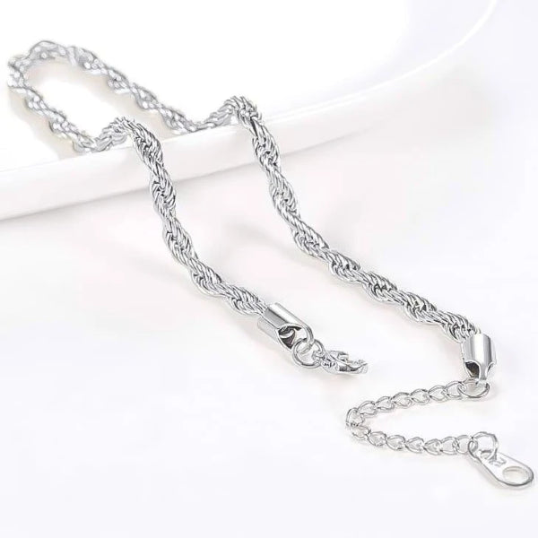 Details of the silver rope chain ankle bracelet