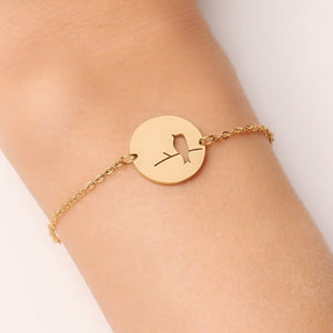 Simple gold bird bracelet