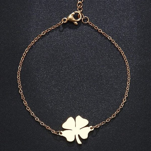 Four-leaf clover bracelet made of gold-toned stainless steel