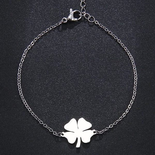 Four-leaf clover bracelet made of silver-toned stainless steel