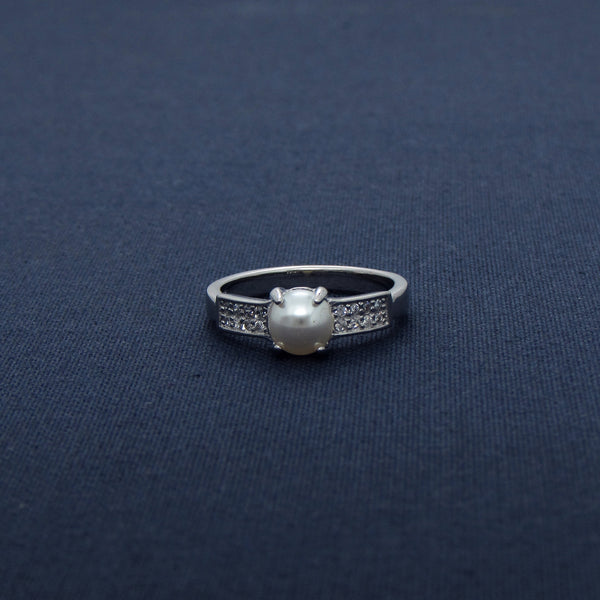 Pearl Affection Sparkling Silver Ring