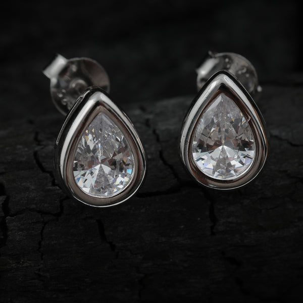 Exquisite Droplet Stud Earrings