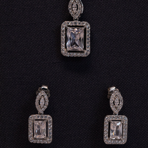 Zilverine Crystal Mains Pendant and Earrings