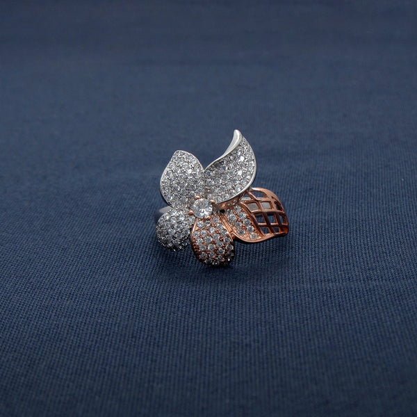 Dazzling Two Golden Three Silver Petals Ring