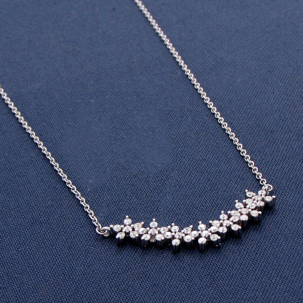 Charming 7 Interlinked Flower Silver Pendant
