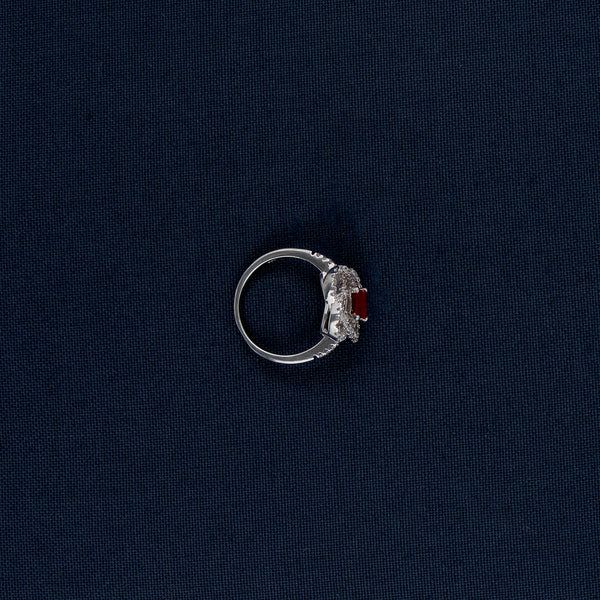 Clover-Shaped Silver Ring with Red Gem Inlay