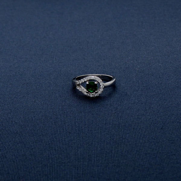Silver Ring with Horizontal Tear-Shaped Design and Green Stone Center