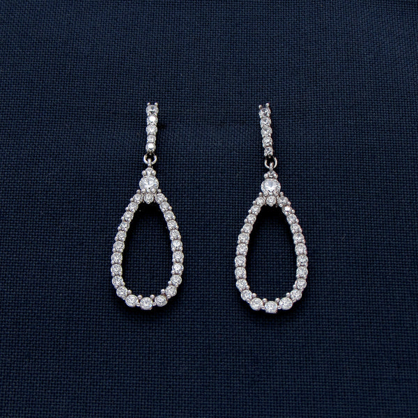 Tear-shaped Silver Earrings