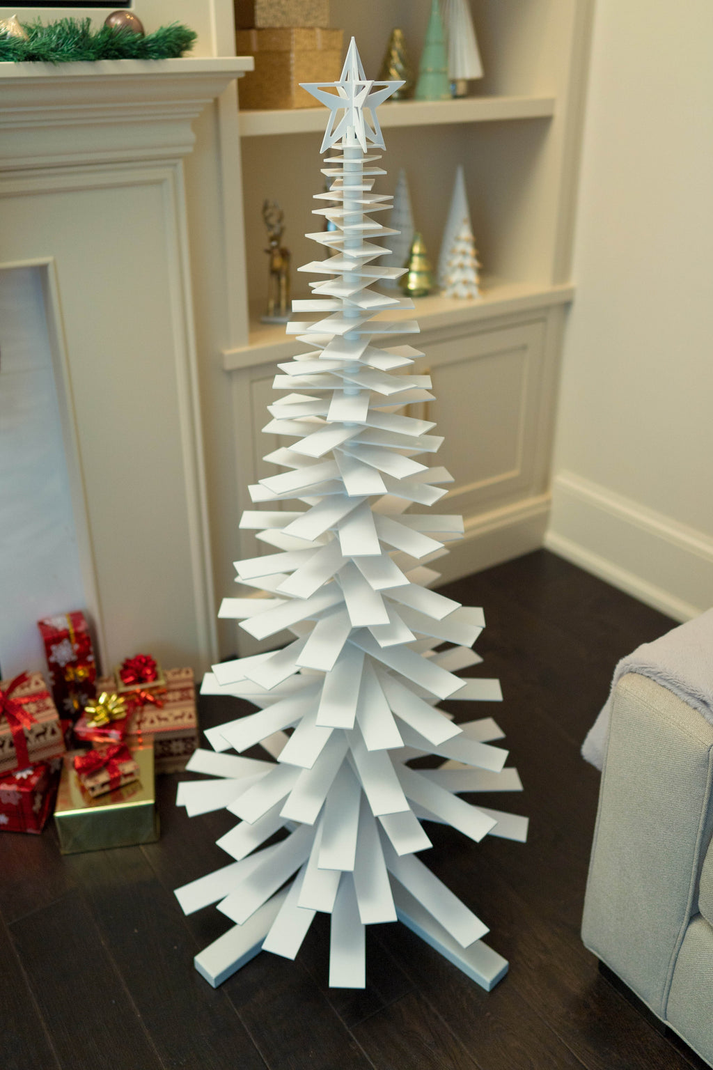 Modern Holiday Spiral Tree
