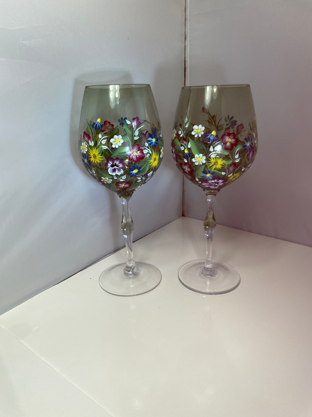 Hand Painted Floral Wine Glasses. Green Glass Wine Glasses with Colorful Flowers. Spring Garden Painted Wine Glasses.