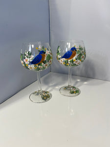 Hand Painted Wine with Bluebird. Painted Bluebird on Wine Glass. Floral Design on Wine with Bluebird. Wine Glass with Bluebird of Happiness.