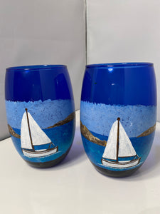 Hand Painted Blue Stemless Wine Glass. Blue Wine with Sailboat Art. Blue Glasses with White Sailboat Design. Stemless Wine Sailing Boat.