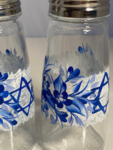Hand Painted Jewish Shakers for the Holidays. Blue and White Shakers. Star of David Salt and Pepper Shakers. Jewish Shaker Gift.