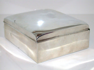 Beautiful Medium Sized Silver Box with Insert 221.4g SILVER COLLECTABLE ITEM