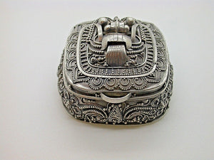 Small Vintage Ornate Chinese Container Hand Made & Designed 9.2g SILVER