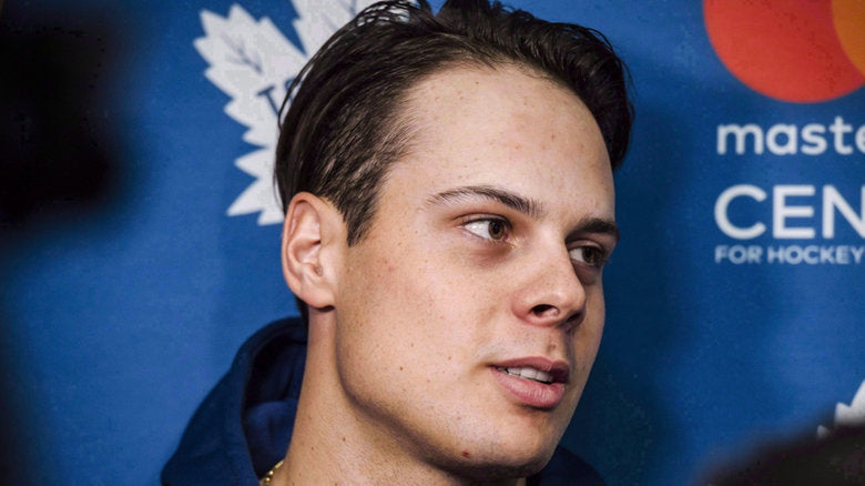 Auston Matthews Wears Shoe Lifts To Look Taller