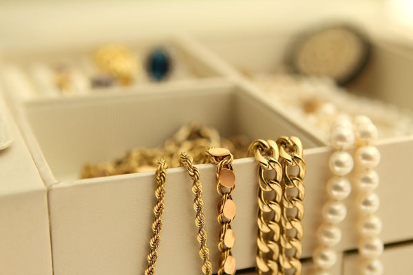 5 Ways to Take Care of Your Nominal Jewelry!