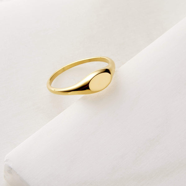 Essential Signet Ring - Nominal
