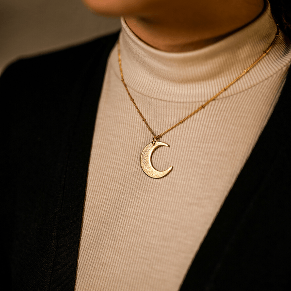 Ayatul Kursi Crescent Necklace // BUY 1 GET 1 FREE - Nominal