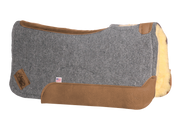 Contour saddle pad in gray felt with brown leather and fleece underside