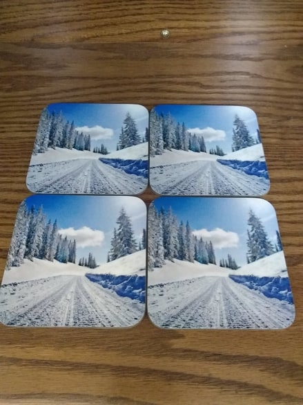 Set of 4 White Gloss Hardboard Coaster with Mahogany stand - AP Touch