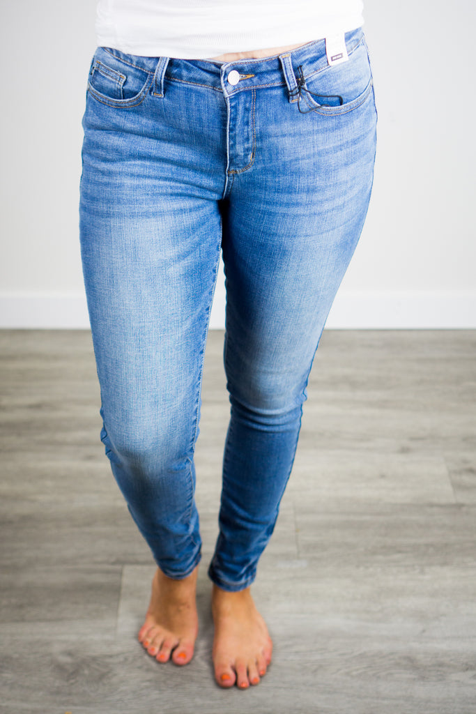 Judy Blue Mid-Rise Non Distressed Jeans