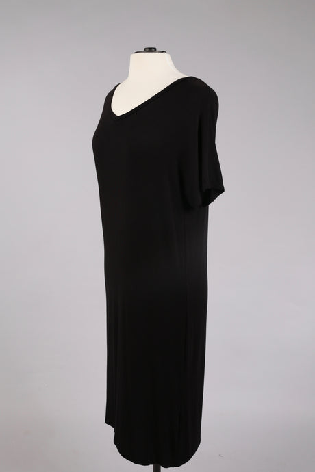 Basic V-Neck Dress in Black