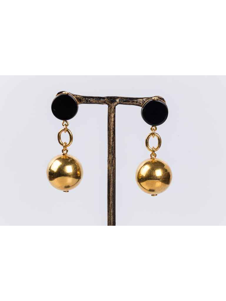 APRIY , Gold and Onyx Classic Chain Globe Earring