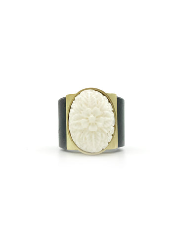 A-COMMENT, Floral Carved Bone Ring