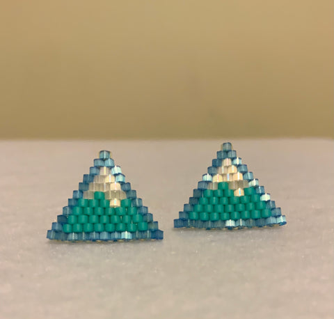 ᐄᙳᐊᖅ Mountain earring studs