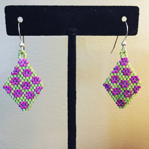 Aupilattunnguat earrings