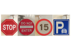 FLASHING ROAD & TRAFFIC SIGNS