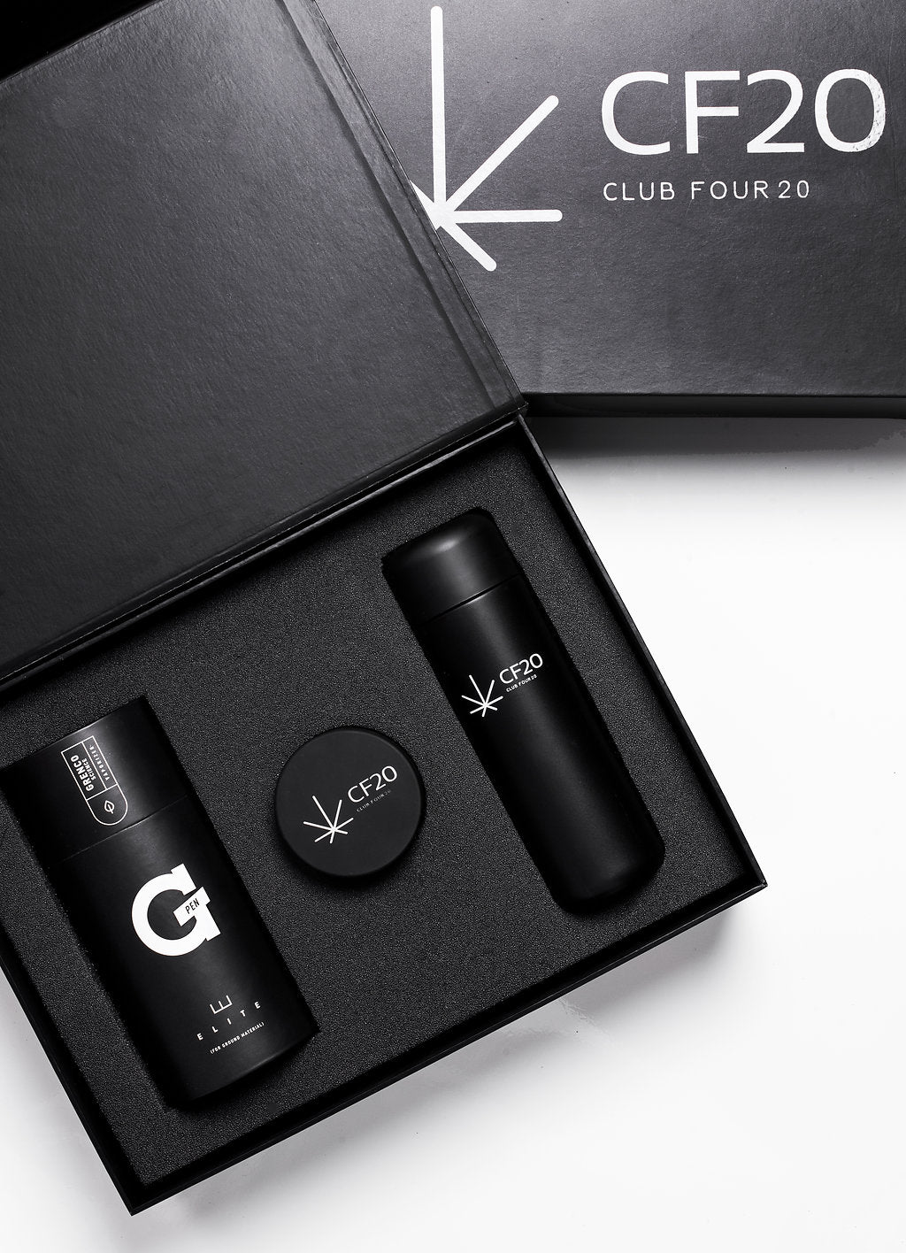 cannabis vape kit from CLUB FOUR20